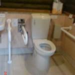 2多目的トイレ